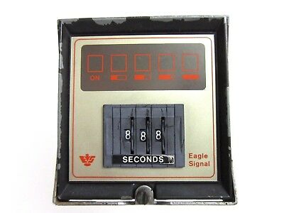 EAGLE SIGNAL INDUSTRIAL SYSTEMS SECONDS RESET TIMER CD302A6 & CASE 120v 50/60hz