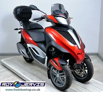 2017 (17) Piaggio MP3 300LT YOURBAN 300cc Scooter Red - UNDER 1000 MILES !!!