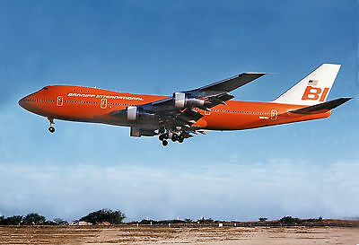 "Braniff Airways Boeing 747 ((16""x20"")) Print"