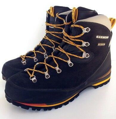 GARMONT GORE-TEX HIKING BOOTS, w/ VIBRAM SOLES, size 11, rrp $399.99!