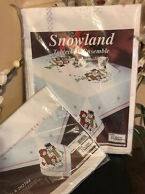 Tobin Snowland Oblong Tablecloth & Napkins Stamped for Embroidery NEW