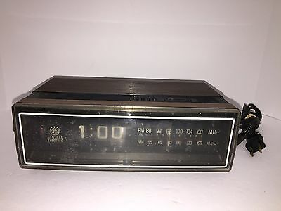 VTG GE General Electric Alarm Flip Clock AM/FM Radio 7-4305C Parts/Repair