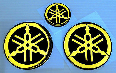 3 GENUINE Yamaha EMBLEM-45mm+25mm-LOGO-DECAL-STICKER-EMBLEMA-GOLD-Reg. Air Mail