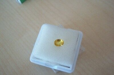 0,75 ct - TOP AUGENREIN , CANARY YELLOW  SAPHIR , Oval fac.