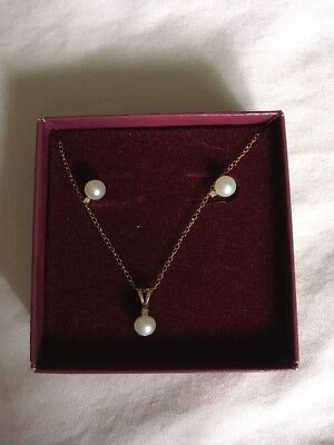 Pearl And diamond 10K Gold Necklace And Pierced Earrings