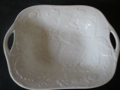 Wedgwood Vintage/Antique Dish (size is approx 18 x 14cms)
