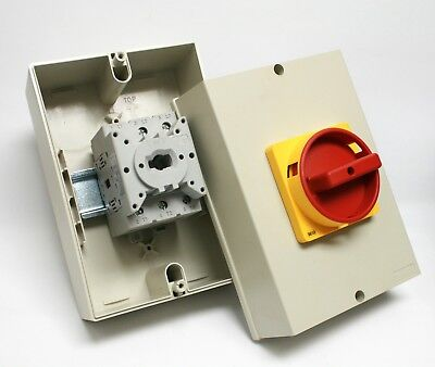 sprecher +schuh LA7-63-1753-N6N Disconnect Switch 3P 2-Pos 32A 690VAC Red/Yellow