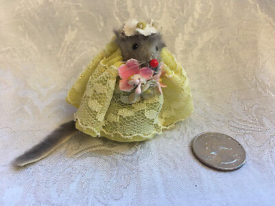 "Little MOUSE Factory BRIDESMAID Flower Girl Fur Doll Toy Yellow Dress 2"" Germany"