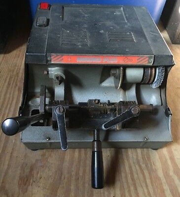 Rekord Plus Silca Manual Key Machine Cutter Duplicator Made in Italy