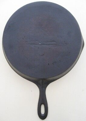 Vintage Cast Iron #9 Skillet W/ Gate Mark~ No Wobble, Sits Flat,  & No Spin