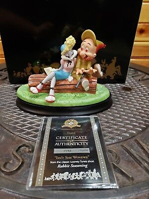 Goebel looney tunes Elmer fud and bugs bunny great condition. COA mint in box!