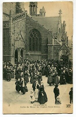 CPA - Carte Postale - France - Penmarch - Sortie de Messe de l'Eglise