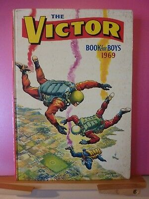 Victor Book For Boys Annual 1969