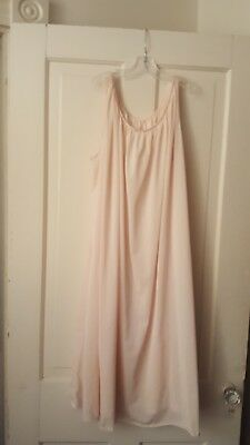 Vintage 1950s-1960s Champagne pink nightgown Nylon size Large