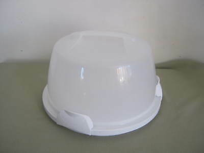 """Wilton Cake Pie Carrier, Taker, Saver, Caddy, Lock Lid, Holds 12"""""""