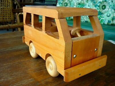 VINTAGE WOODEN HANDCRAFTED  CLASSIC WOOD MINIVAN CAR TOY Benches Wheels Bumpers