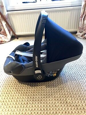 Maxi Cosi Pebble Plus I-Size Group 0 Car Seat.  Sparkling Graphite. Barely Used.