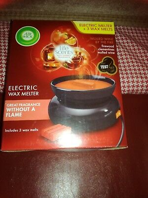 Airwick Electric Wax Melt Burner. Brand New and Boxed With 3 Melts.
