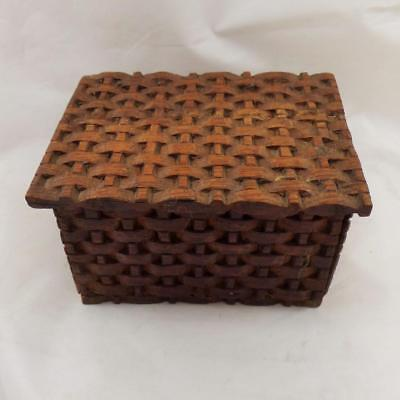 ANTIQUE HAND CARVED WOODEN small BOX VINTAGE