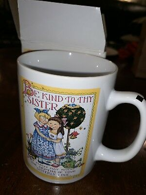 """Mary Engelbreit BE KIND TO THY SISTER Collectible Mug, 4"""", ME Ink, new In Box"""