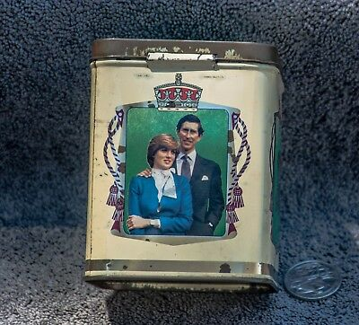 Prince Charles and Lady Diana marriage 1981 souvenir tin.