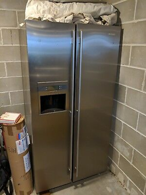 Electrolux Two Door Refrigerator / Freezer with Ice Maker and Water Dispenser