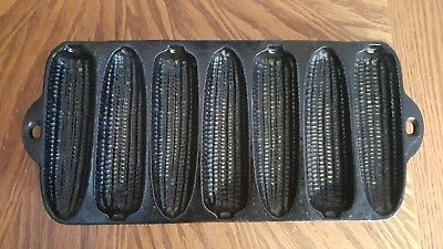 Vintage Cast Iron Corn Muffin Bread Stick Pan 7 mold Kitchen Decor FREE SHIPPING