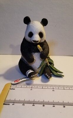 Schleich Giant Panda Sitting Eating Bamboo 146648 New