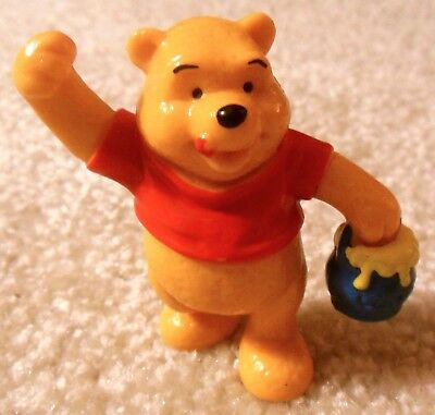 Vintage 1980s WINNIE THE POOH With Honey Pot PVC Figure Bully Bullyland Germany