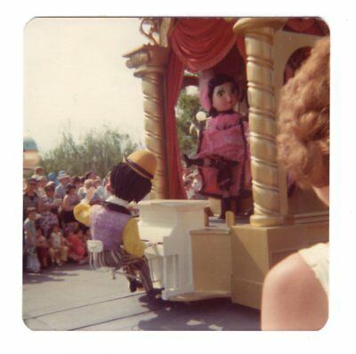Vintage 1976 Photo Walt Disney World AMERICA ON PARADE Florida 1970's Nov18 j