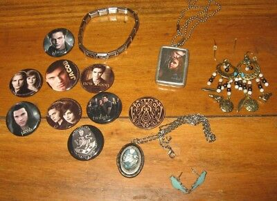 Fangs for the Memories! Twilight Pins & Jewelry•Locket•Jewel Kade Pendant
