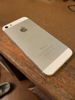 iPhone 5 White - For Spares / Repair (Broken Screen, Smashed)