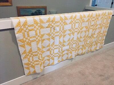 Ready For Spring! Adorable Yellow Quilt!