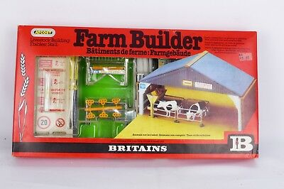 BRITAINS NO 4709 is the sealed Atcost Farm building VNMB