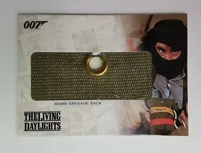 Complete James Bond 007 The Living Daylights Bomb Gernade Sack Relic Card RC15