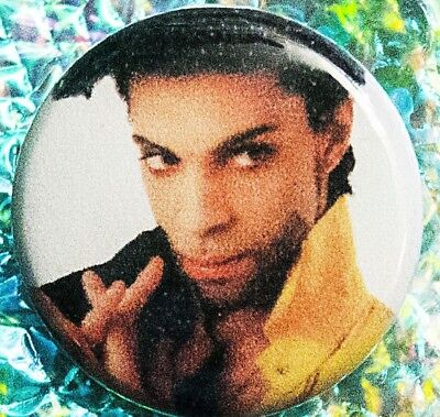 Pin & FREE Prince Live In New York at Radio City Music Hall 3-26-93 2 DVD Set