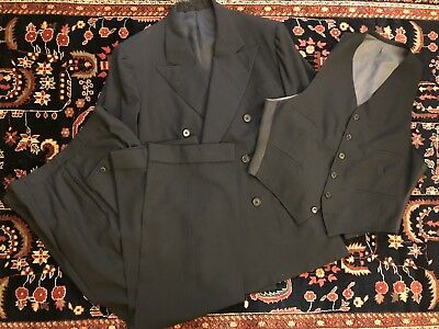 Vtg 1930s 3 pc Double Breasted Summer Weight Suit. Sz40
