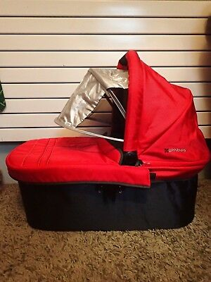 UppaBaby Vista Carrycot Red