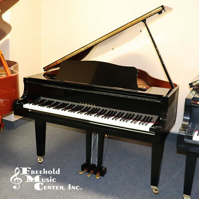 YAMAHA GB1 5' Baby Grand Piano MGF 2005 in Indonesia Polished Ebony with  Bench