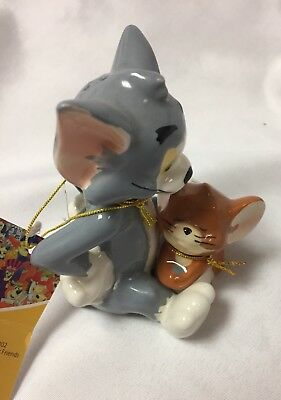 Tom and Jerry Westland magnetic Salt and pepper shakers new