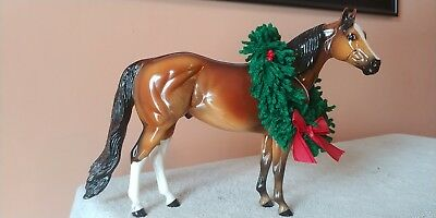 Peter Stone,#962, Holiday Horse, with wreath, Beautiful Bay, 2000, was LS, NICE