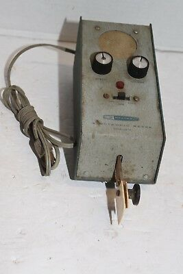 Vintage Electronic Keyer  Heathkit HD-10 for parts  POWERS ON