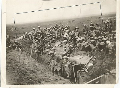 Ww1 Press Photo-Combined Allied Forces (Canadian & British) In Merville