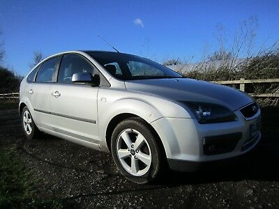 2006 (56) FORD FOCUS 1.6 ZETEC CLIMATE 5dr SILVER - DRIVE AWAY
