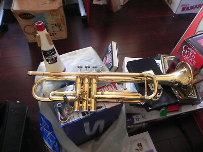 Yamaha YTR2335 TRUMPET with Gator case stand music books mouthpieces mute