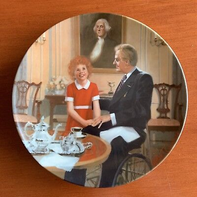 "Little Orphan Annie Collector Plate Knowles ""Tomorrow"" William Chambers 1985"
