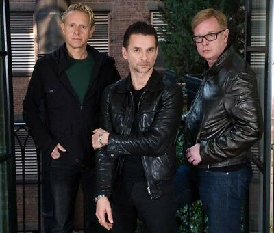 Depeche Mode UNSIGNED photograph - M9912 - English electronic band - NEW IMAGE!!