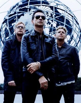 Depeche Mode UNSIGNED photograph - M9918 - English electronic band - NEW IMAGE!!