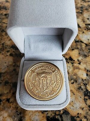USC Trojans University of Southern California crest coin bronze LOOK