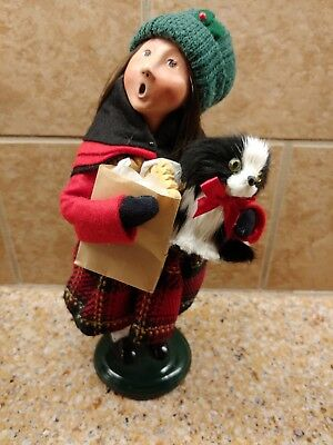 Byers Choice Carolers Young Girl Shopper with Black& White Dog & Bag of Cookies